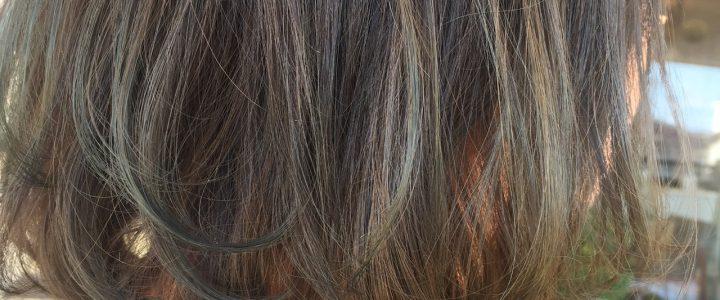 髪も春色に